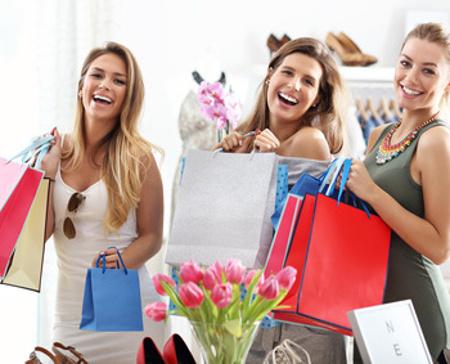 Frauen kaufen ein - Freiheit beim Homeshopping